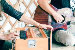 valverde-retreats-activities-kirtan